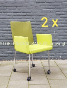 showroom design stoelen leer groen 2 actu